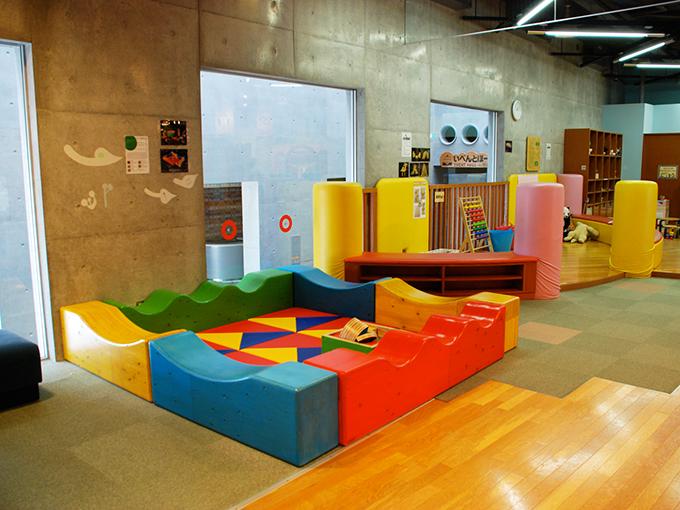 wood_play_equipment_indoor03