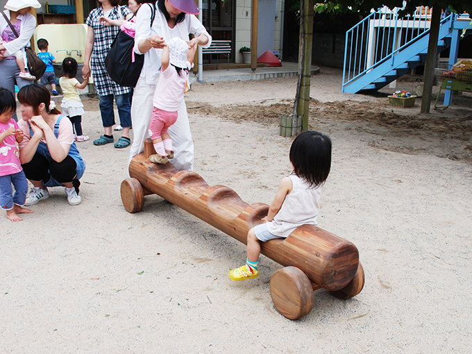 wood_play_equipment_outdoor02
